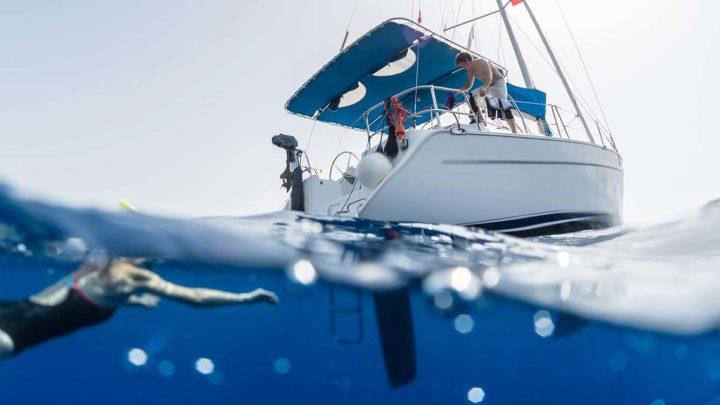 Купание в море с яхты